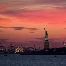 Image for El # 1 NYC Crucero en yate por Manhattan en el bote